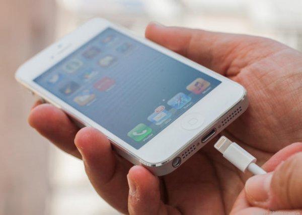iPhone перестал заряжаться? Вам поможет зубочистка!