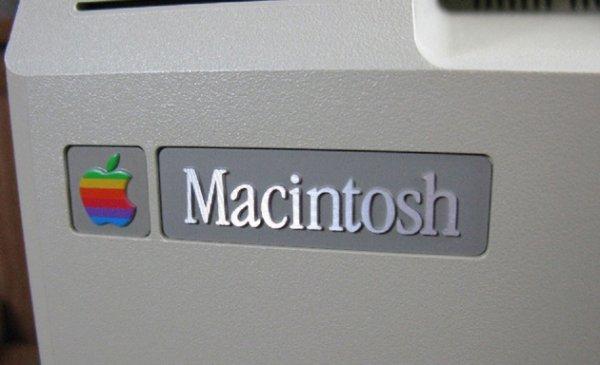 Сегодня исполняется 31 год с момента презентации первого Macintosh