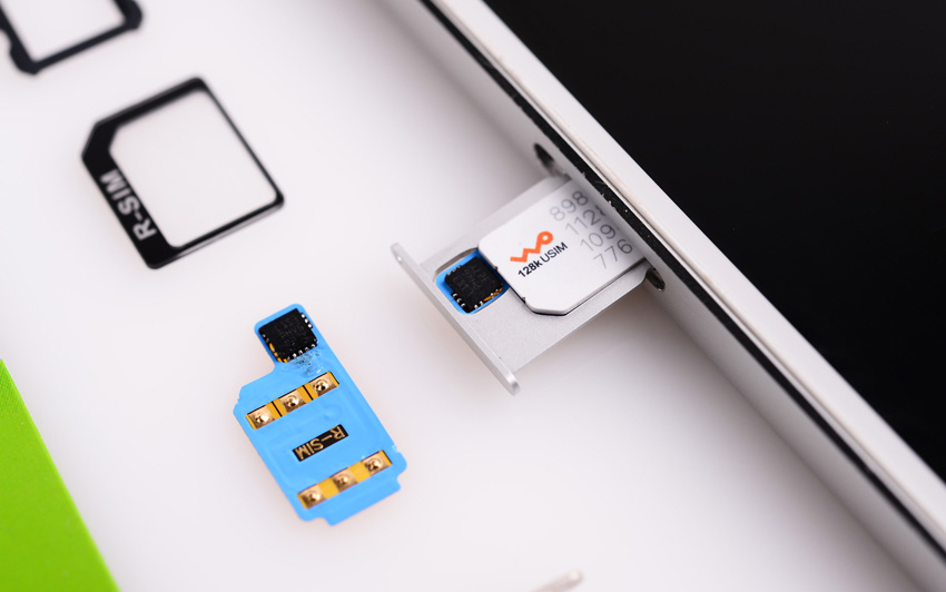 r-Sim для аппаратного анлока iPhone