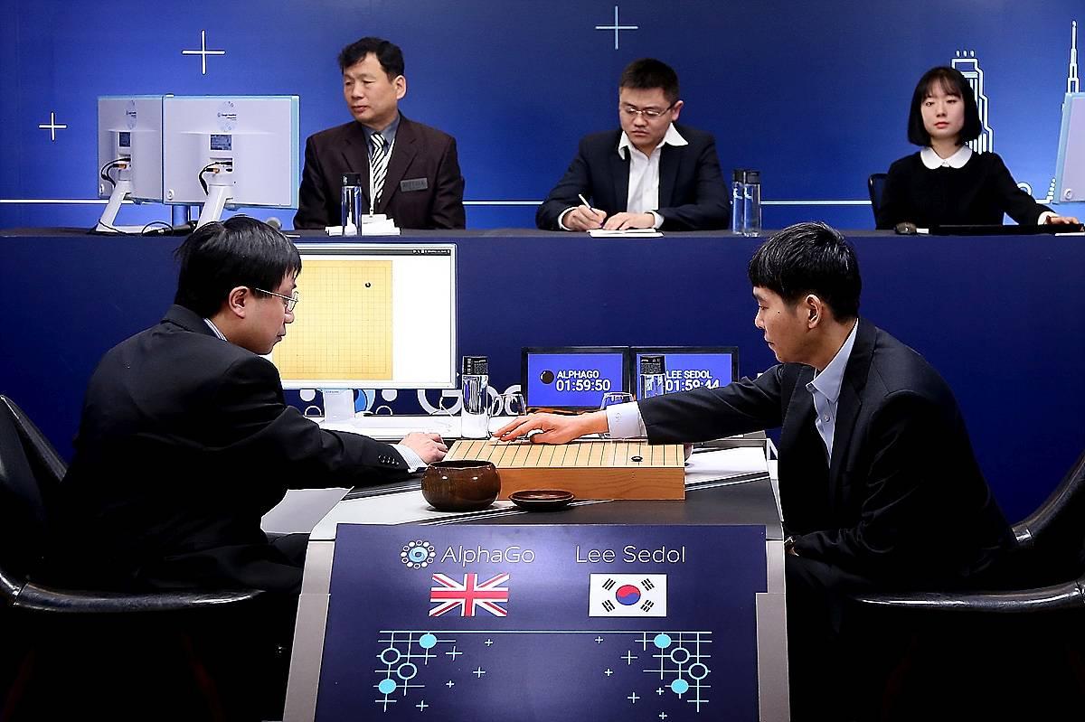 AlphaGo играет в шашки Го