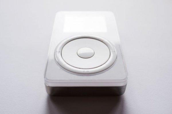 Почему Стив Джобс утопил первый прототип iPod
