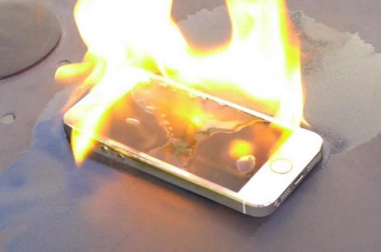 iPhone загорелся