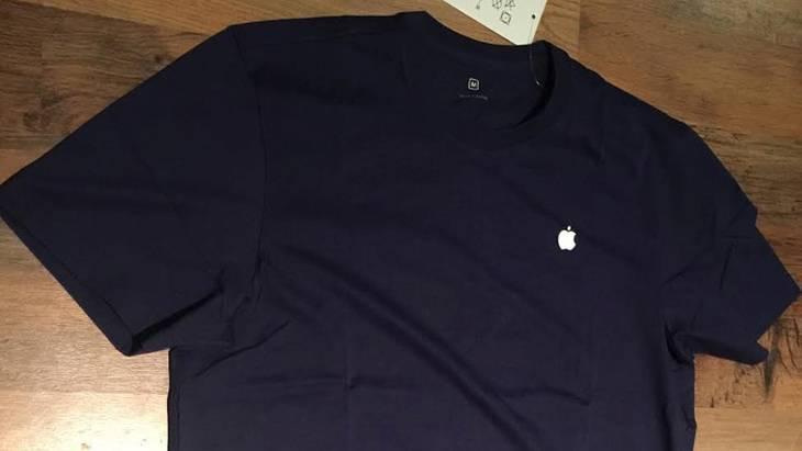 Униформа сотрудника магазина Apple